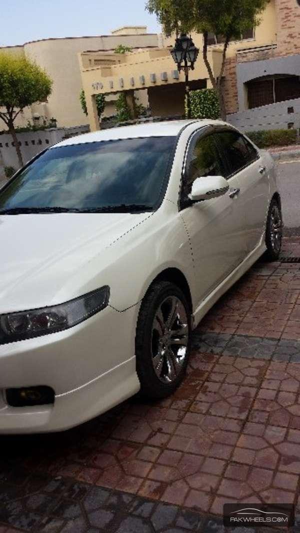 Honda Accord CL9 2002 Image-3