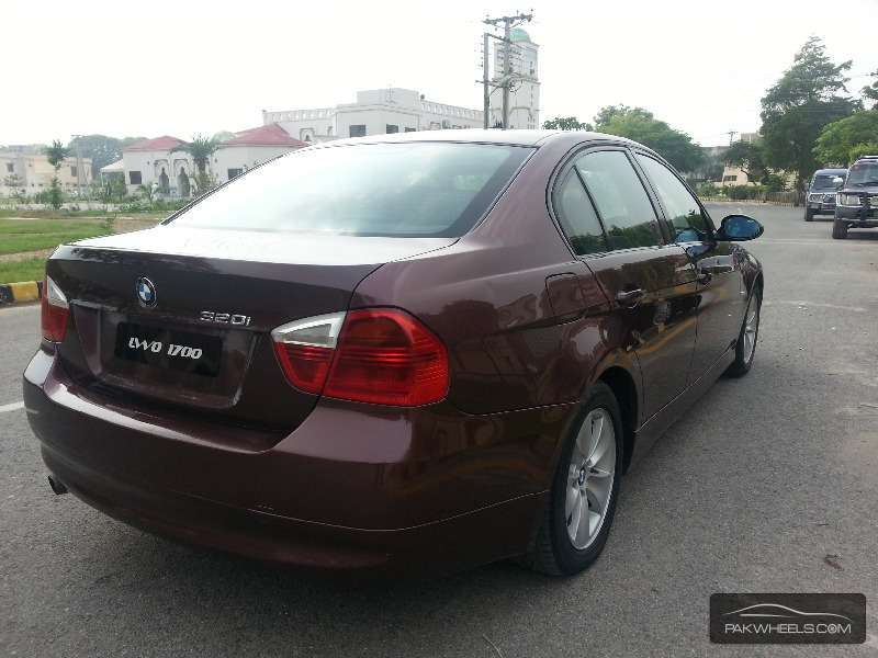 BMW 3 Series 320i 2006 Image-2