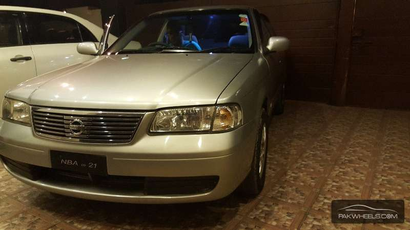 Nissan Sunny Super Saloon 1.6 2004 Image-1