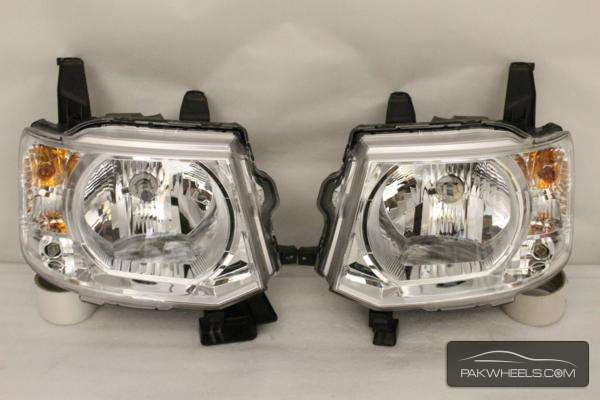 mistubishi ek wagon head light pair Image-1