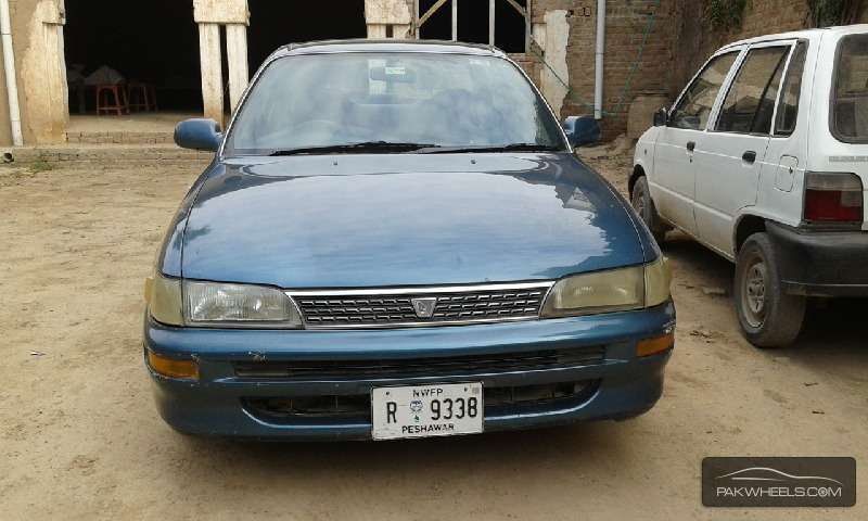Toyota Corolla SE Saloon 1995 Image-3