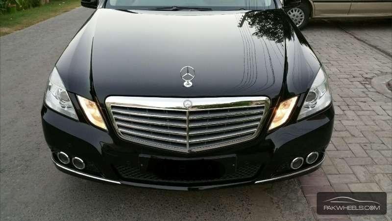 Mercedes Benz E Class E250 2011 Image-5