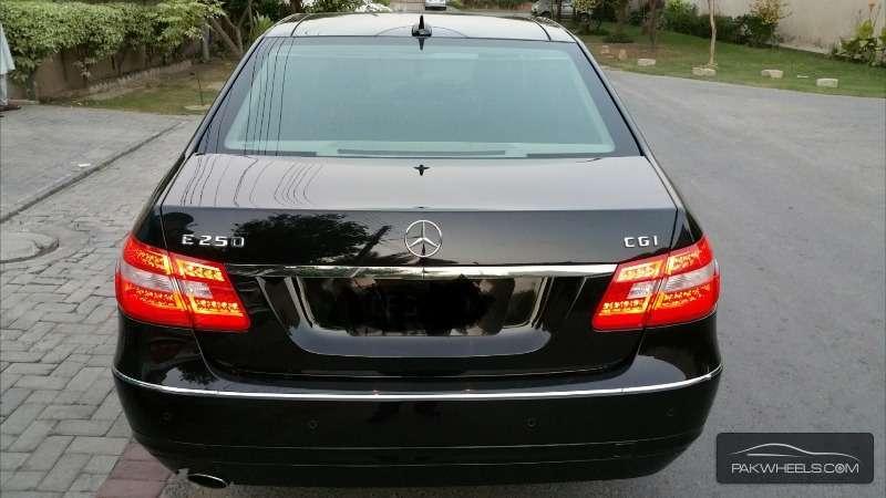 Mercedes Benz E Class E250 2011 Image-6