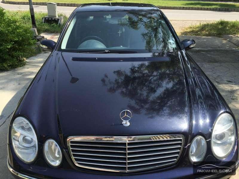 Mercedes Benz E Class E270 CDI 2003 Image-1