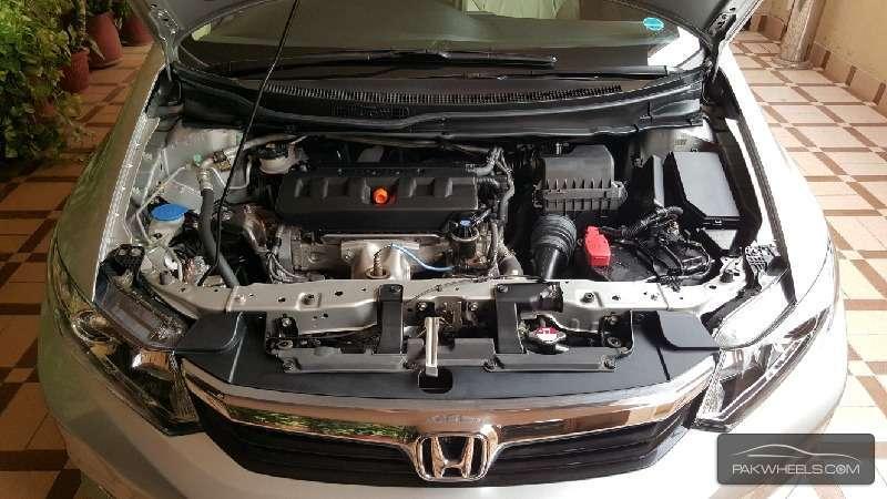 Honda Civic VTi Oriel Prosmatec 1.8 i-VTEC 2014 Image-5