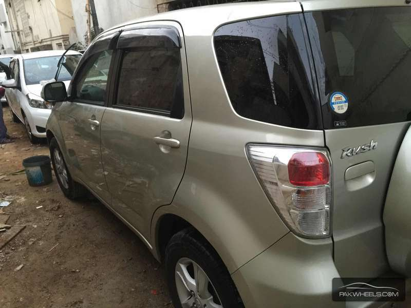 Toyota Rush G 2010 Image-8