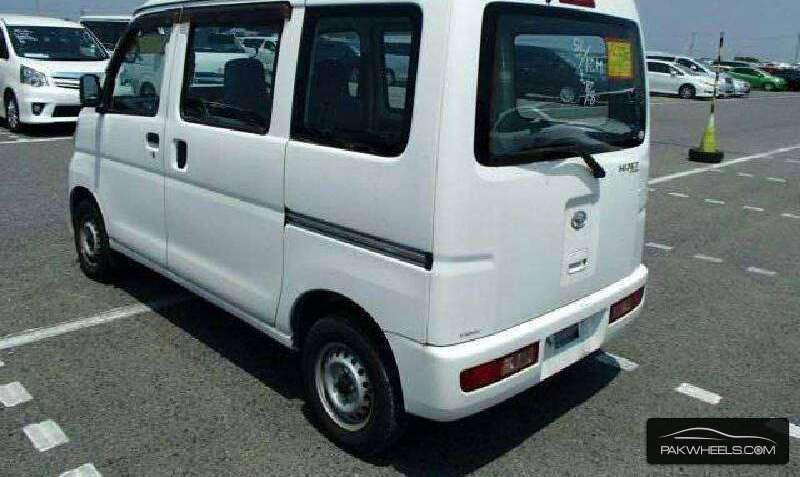 Daihatsu Hijet 2013 Image-10