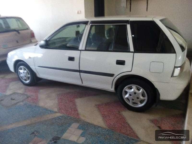 Suzuki Cultus VXRi 2012 Image-4