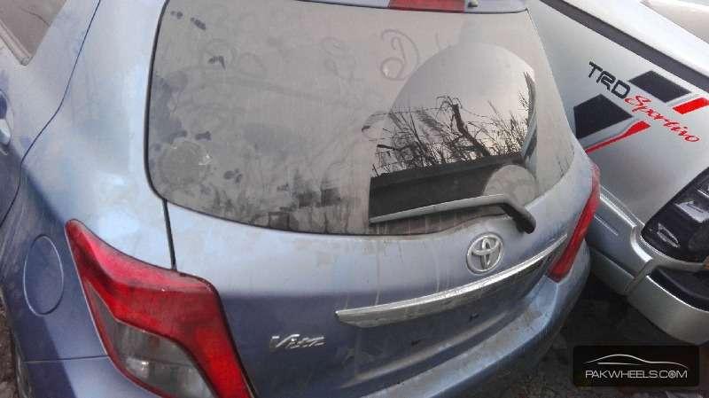 Toyota Vitz FL 1.0 2012 Image-8