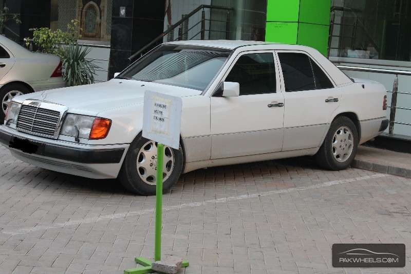 Mercedes benz e class 1992 for sale in islamabad pakwheels for Mercedes benz e series for sale