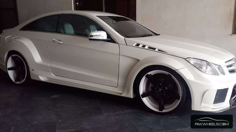 mercedes benz e class coupe e 200 2013 for sale in lahore pakwheels. Black Bedroom Furniture Sets. Home Design Ideas