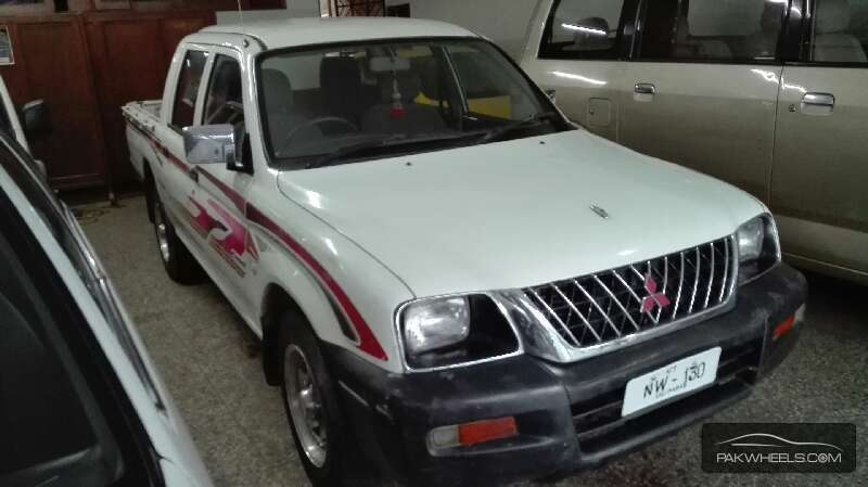 Mitsubishi Hiace 2005 Image-3