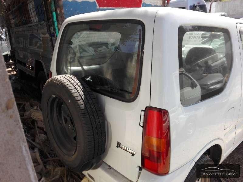 Suzuki Jimny JLX 2011 Image-6
