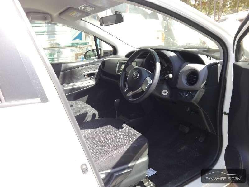 Toyota Vitz FL 1.0 2014 Image-4