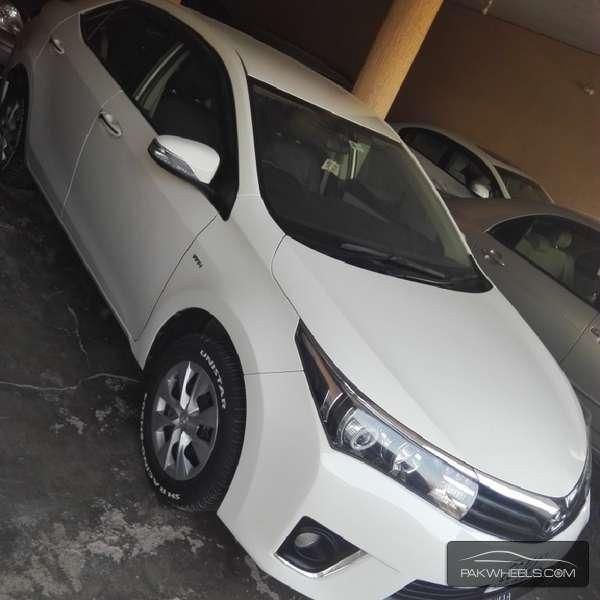 Toyota Corolla GLi 1.3 VVTi Ecotec  2015 Image-2