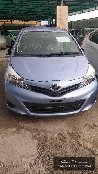 Toyota Vitz F Limited 1.0 2012 Image-1