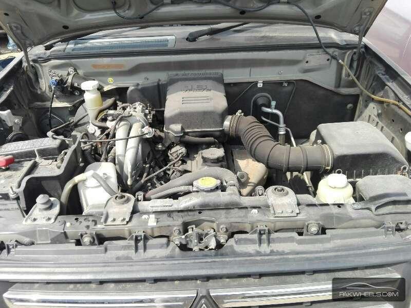 Mitsubishi Pajero Mini 2010 Image-8