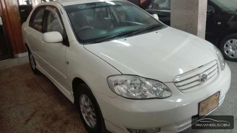 Toyota Corolla SE Saloon 2004 Image-3