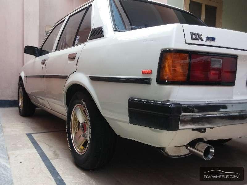 Toyota Corolla 1982 Image-4