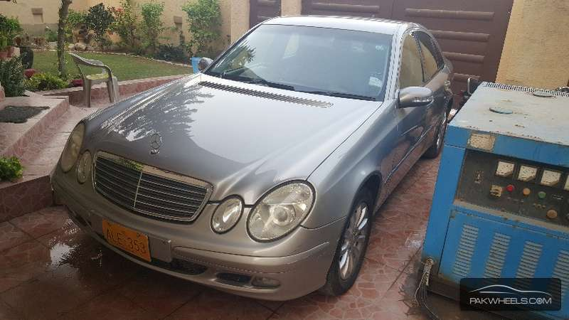 mercedes benz e class e220 cdi 2003 for sale in karachi pakwheels. Black Bedroom Furniture Sets. Home Design Ideas