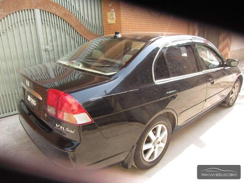 Honda Civic VTi Oriel 1.8 i-VTEC 2006 Image-3