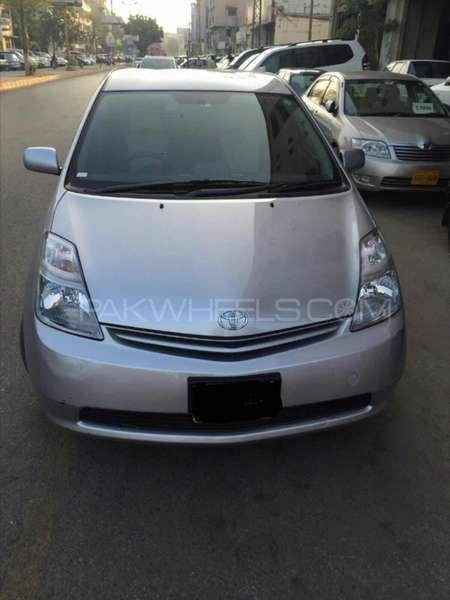 Toyota Prius S 1.5 2010 Image-1