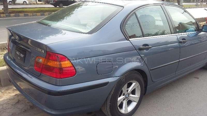 BMW 3 Series 316i 2004 Image-12