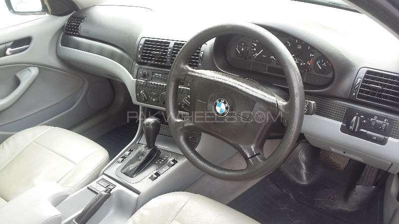 BMW 3 Series 316i 2004 Image-2