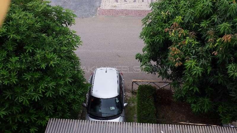 Suzuki Swift DLX 1.3 2010 Image-11