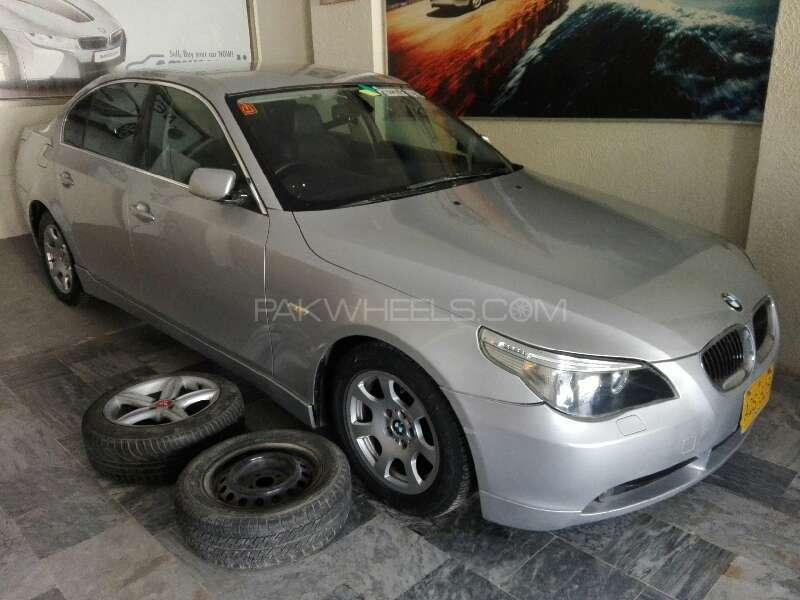 BMW 5 Series 2004 Image-2