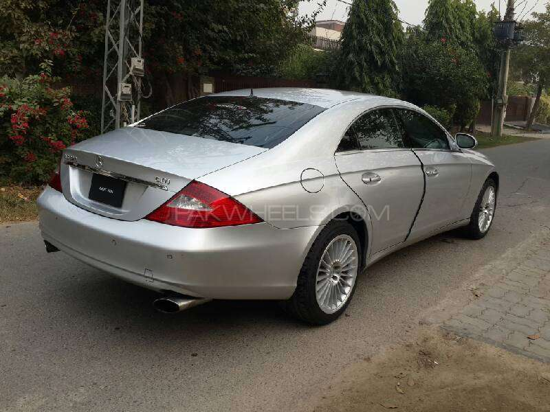mercedes benz cls class cls320 cdi 2006 for sale in lahore pakwheels. Black Bedroom Furniture Sets. Home Design Ideas