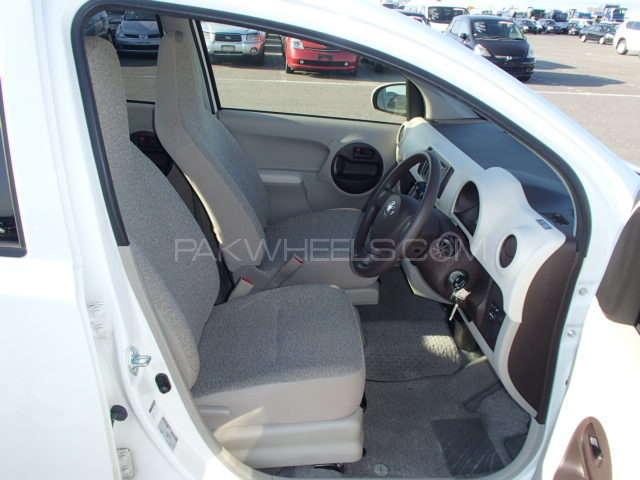 Toyota Passo X 2012 Image-13