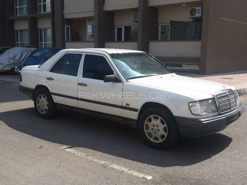 Mercedes benz e class 1990 for sale in lahore pakwheels for Mercedes benz e series for sale