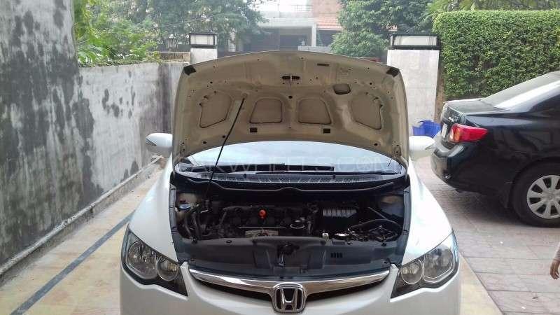 Honda Civic VTi Oriel 1.8 i-VTEC 2012 Image-6