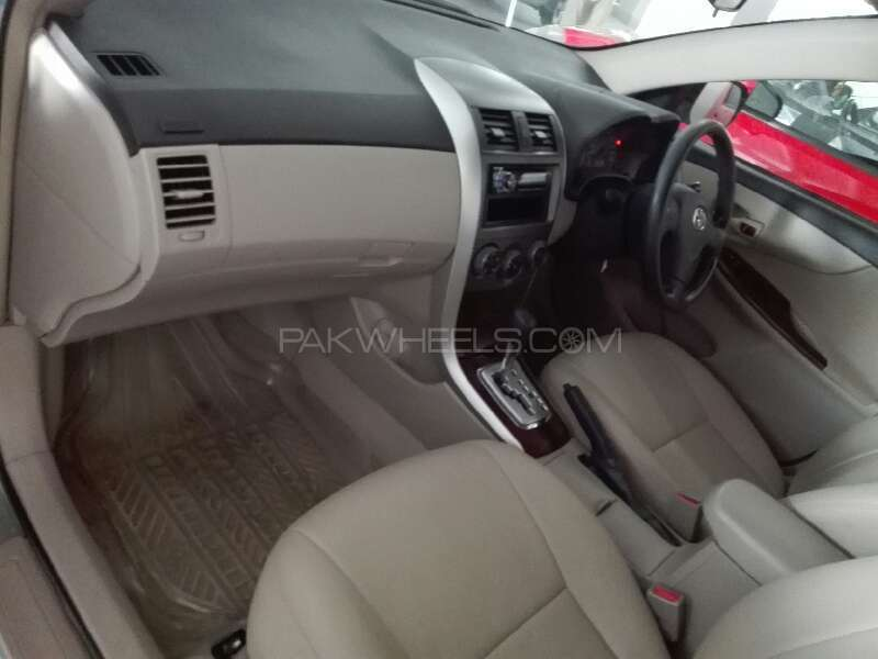 Toyota Corolla GLi Automatic 1.6 VVTi 2013 Image-3