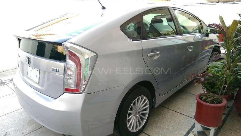 Toyota Prius L 1.8 2012 Image-15