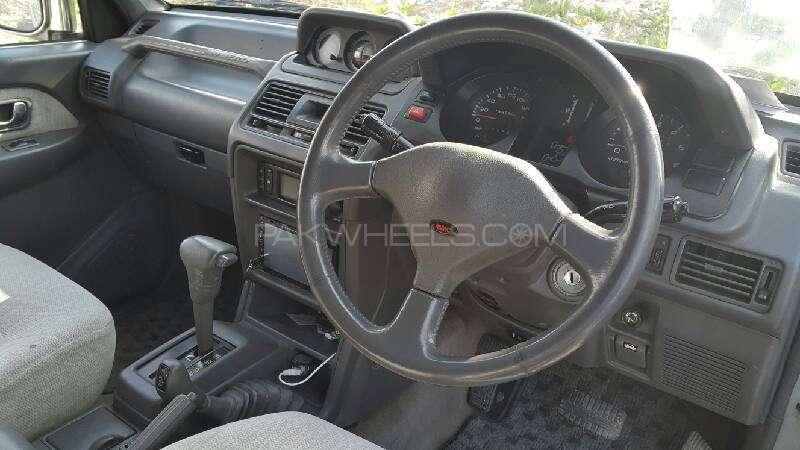 Mitsubishi Pajero Exceed Automatic 2.8D 1997 Image-5