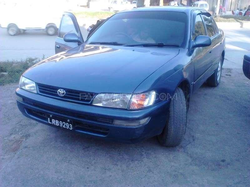 Toyota Corolla XE 2002 Image-1