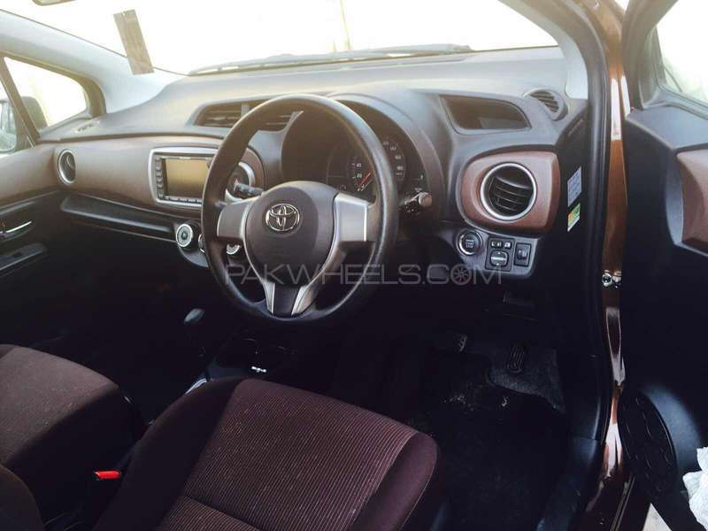 Toyota Vitz Jewela 1.0 2014 Image-4