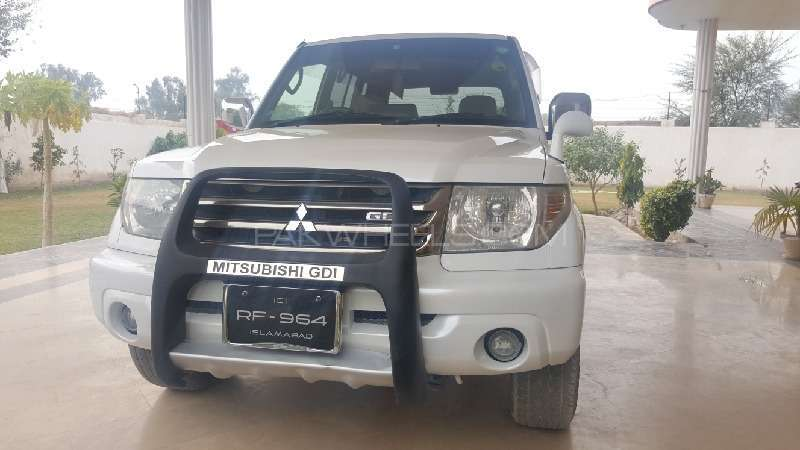 Mitsubishi Pajero 2001 Image-7