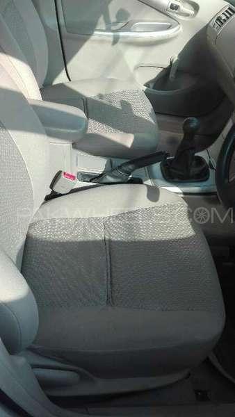 Toyota Corolla XLi VVTi 2014 Image-2