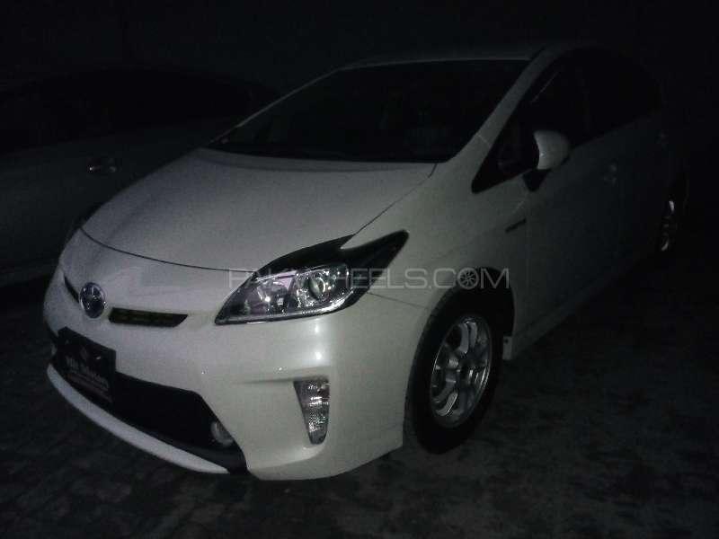 Toyota Prius G 1.8 2012 Image-3