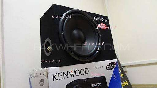 Kenwood sealed subwoofer Image-1
