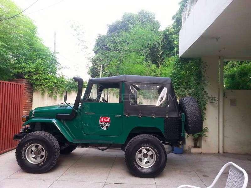 Toyota Land Cruiser - 1967  Image-1