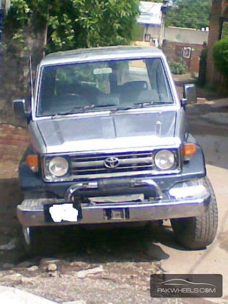 Toyota Land Cruiser - 1986 Beast Image-1