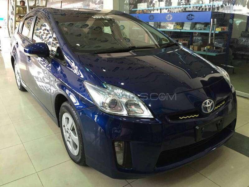 Toyota Prius - 2013 Prius Image-1