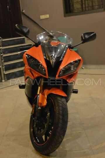 Yamaha YZF-R6 - 2009  Image-1