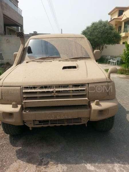 Mitsubishi Pajero - 1998  Image-1