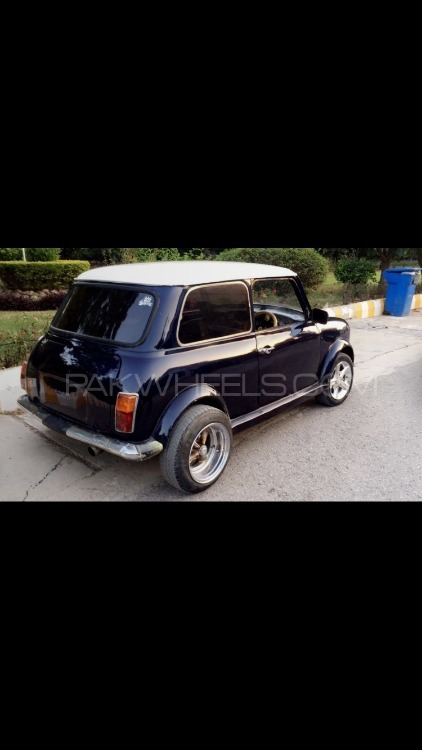 Austin Mini - 1975  Image-1