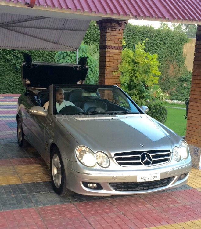 Mercedes Benz CLK Class - 2005  Image-1
